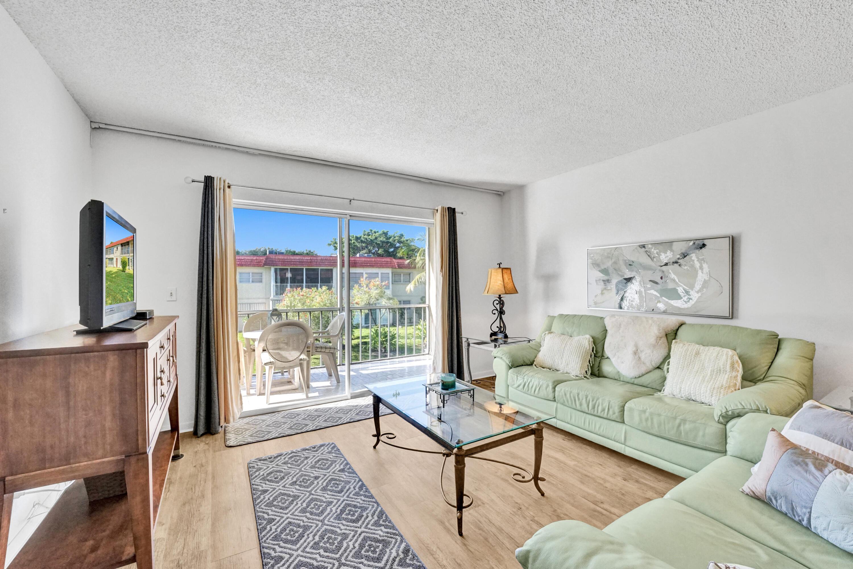 23  Abbey Lane  203 For Sale 10706987, FL