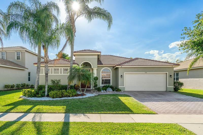 1341  Stonehaven Estates Drive  For Sale 10707605, FL