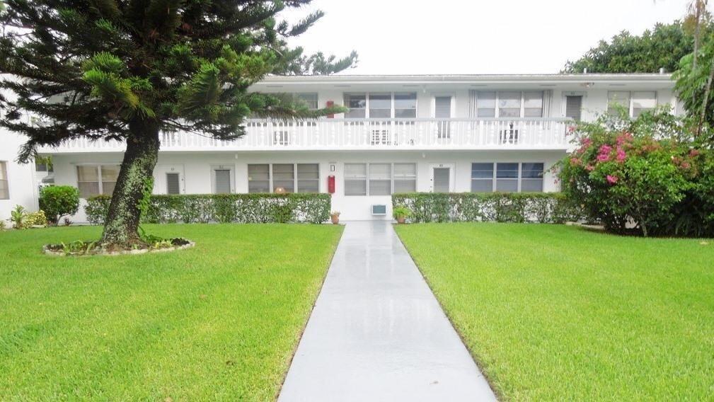 82 Andover D West Palm Beach FL 33417