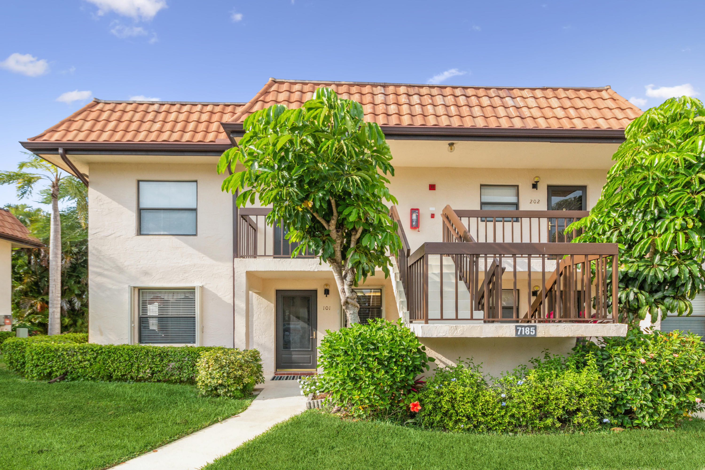 7185  Golf Colony Court 101 For Sale 10703540, FL