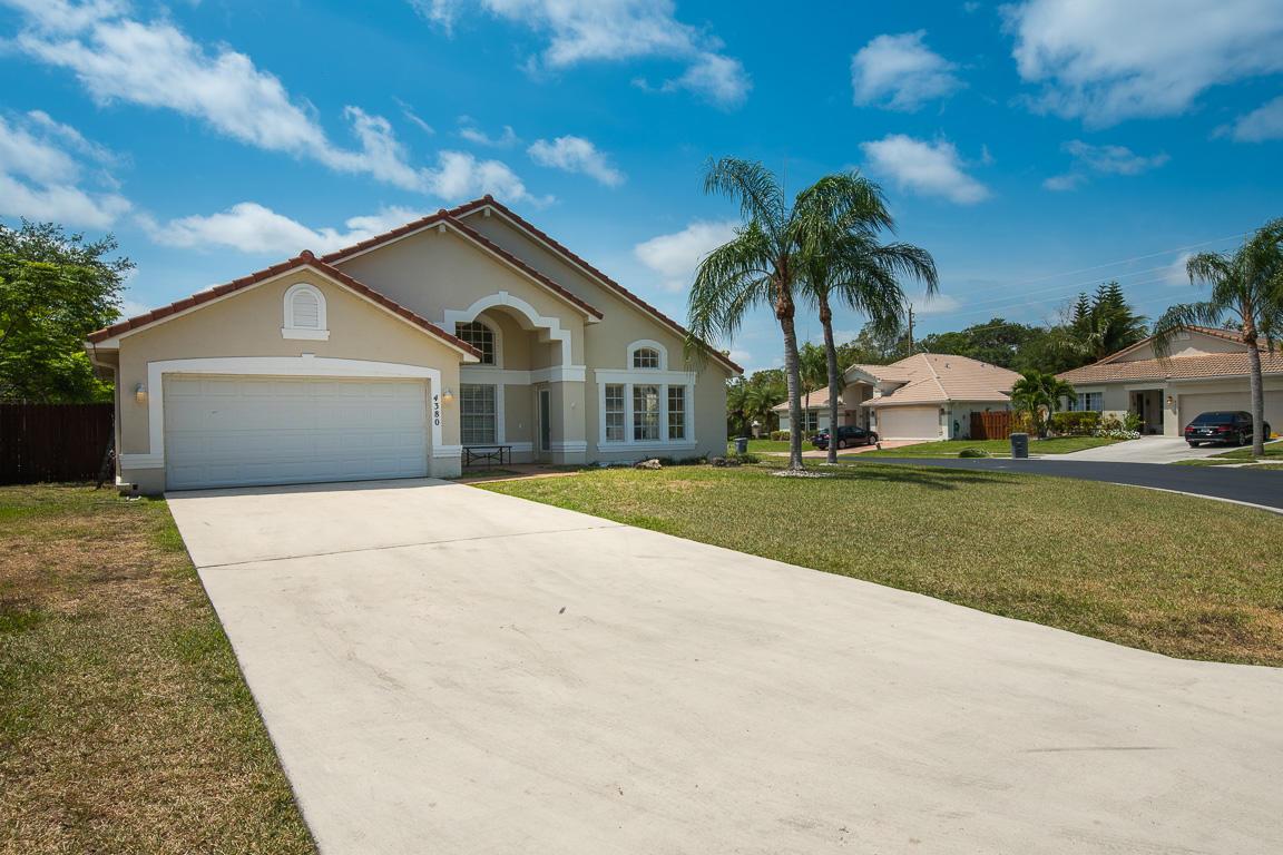 Home for sale in SUNSET CAY Boynton Beach Florida