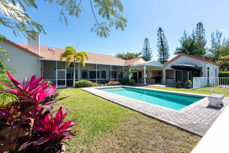 8728 Wendy Ln E Royal Palm-large-013-019