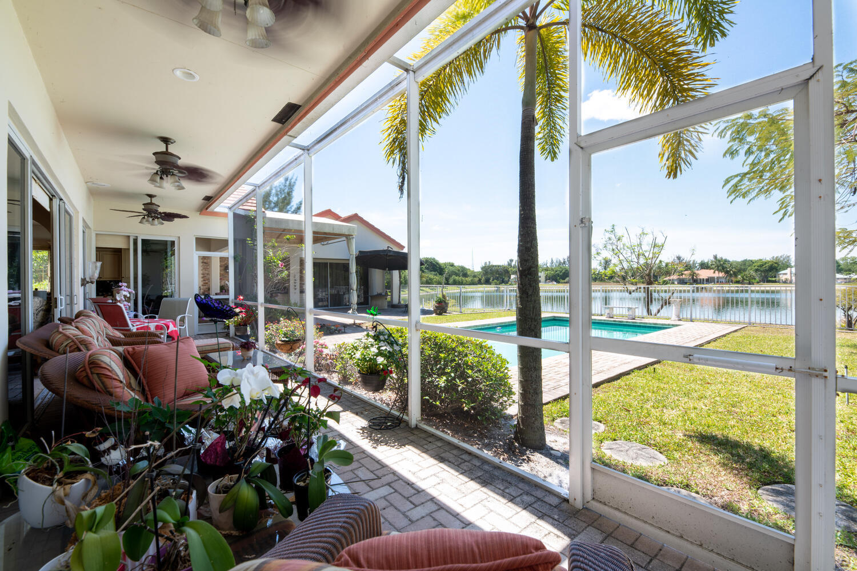 8728 Wendy Ln E Royal Palm-large-039-031