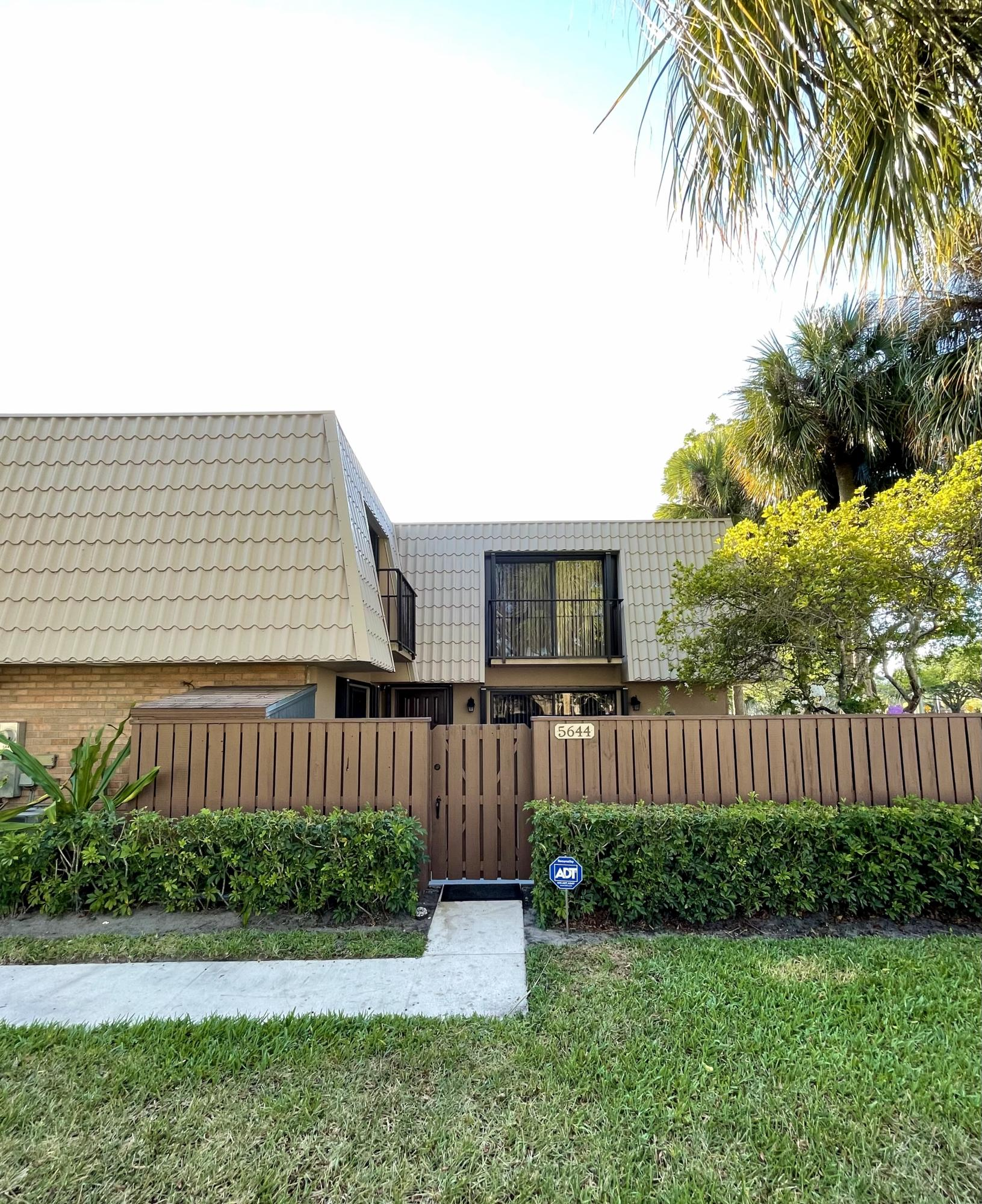 5644  56th Way  For Sale 10707517, FL
