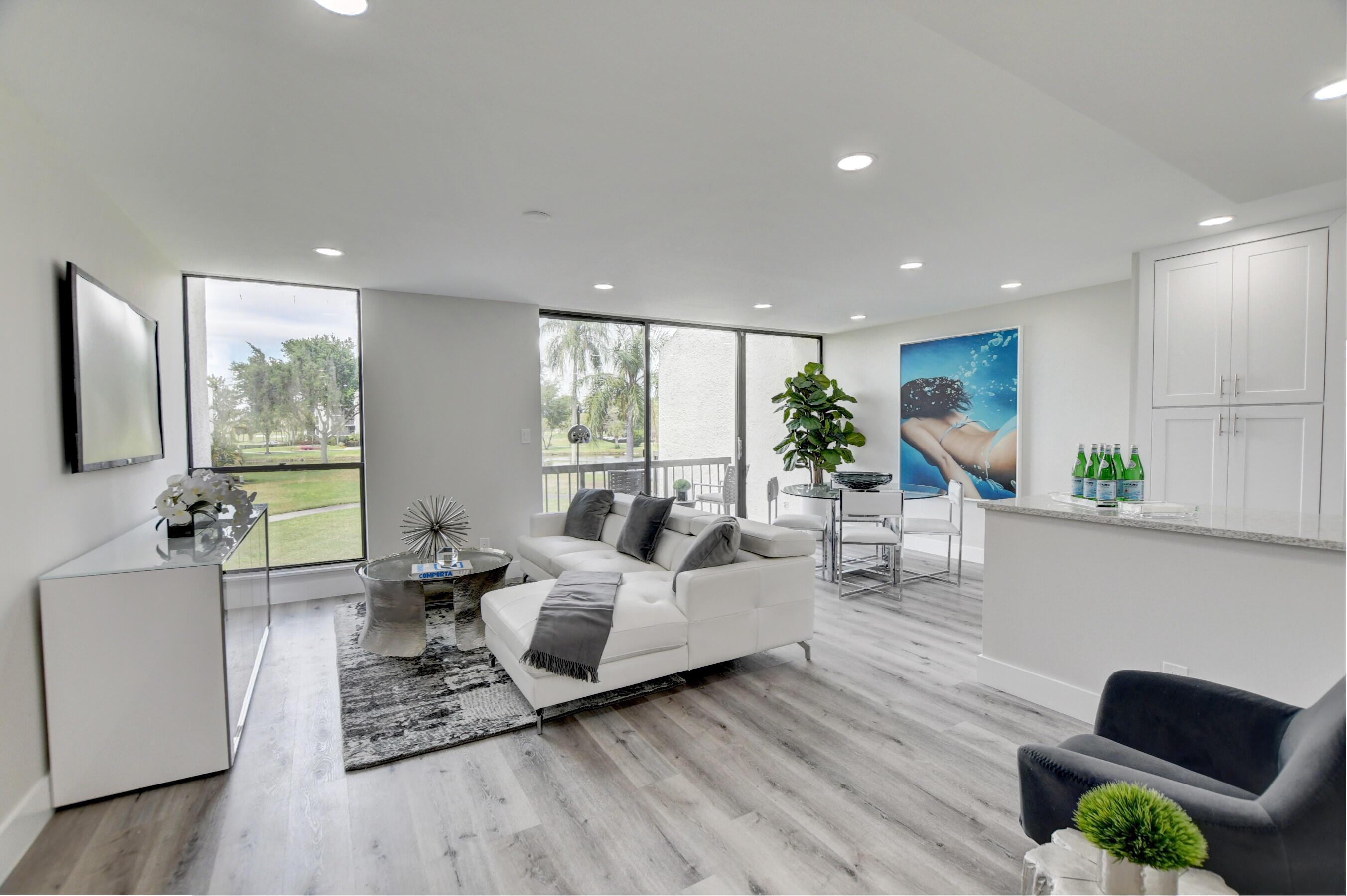 1005  Bridgewood Place  For Sale 10673125, FL