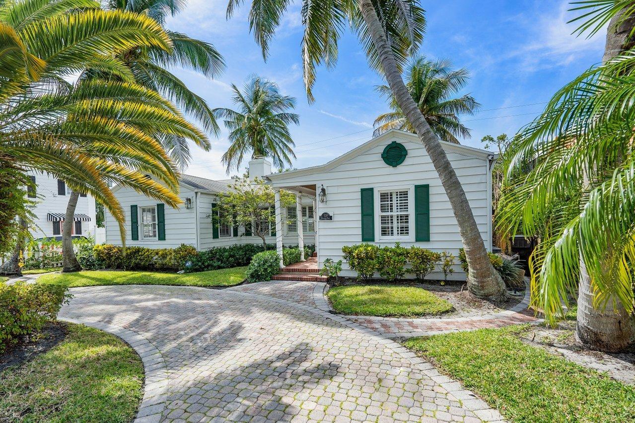326 Monceaux Road West Palm Beach, FL 33405
