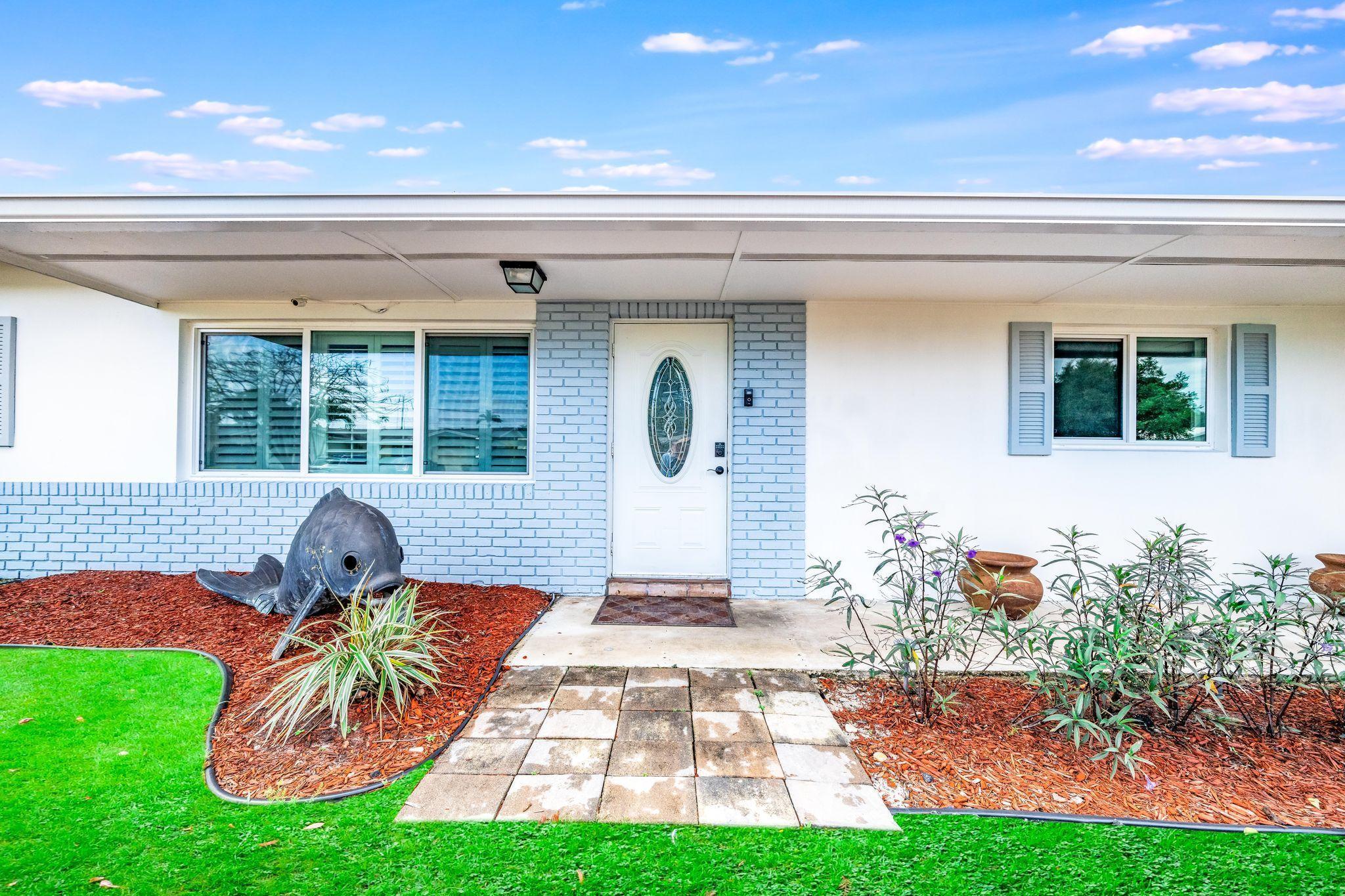 1194 SW 28th Avenue  For Sale 10708047, FL