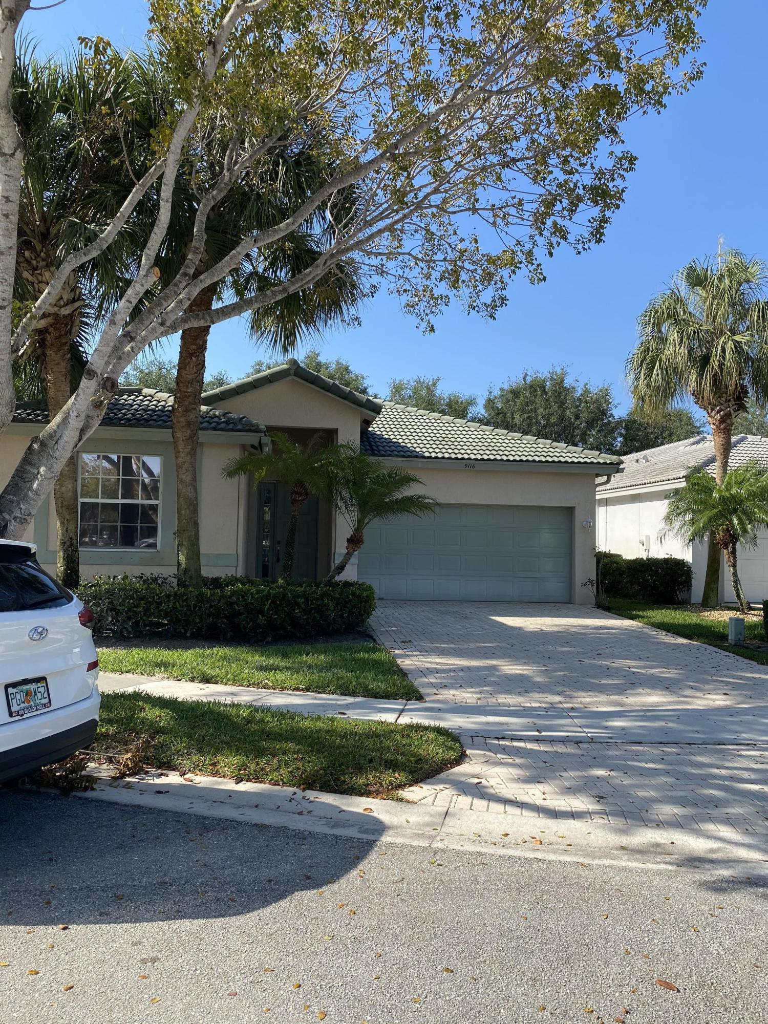 9116  Bay Point Circle  For Sale 10707403, FL