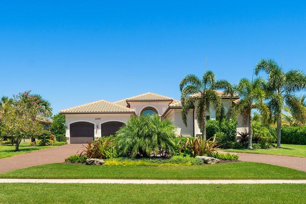 Home for sale in BAYHILL ESTATES Palm Beach Gardens Florida