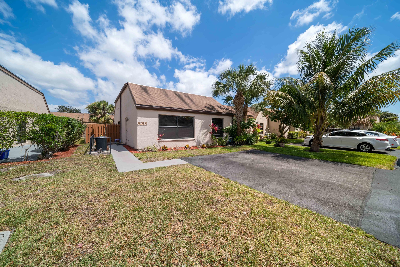 5215 Tarregon Lane Palm Beach Gardens, FL 33418