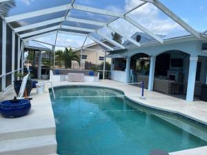 2720 NW Howard Creek Lane, Stuart, FL 34994