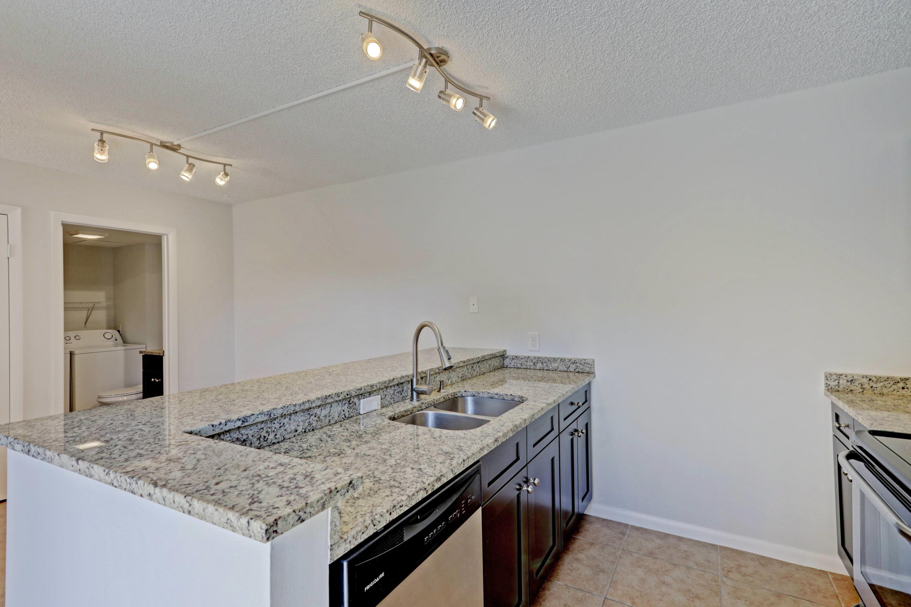 627  6th Way  For Sale 10711022, FL