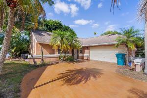 1804 Edgewater Drive, Boynton Beach, FL 33436