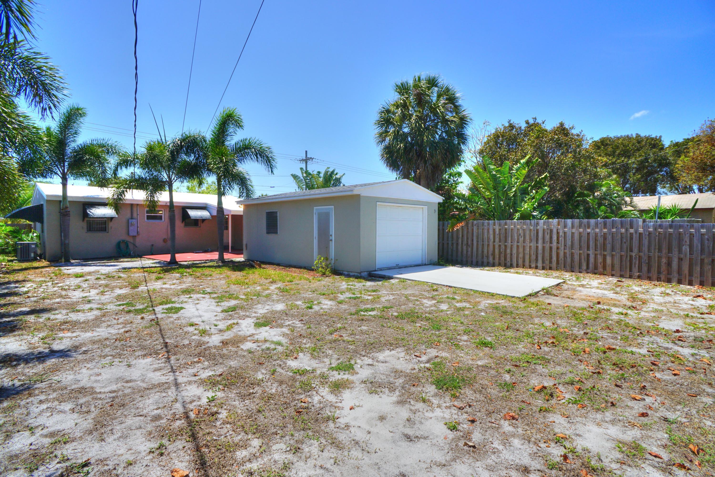 727 Bunker Road West Palm Beach, FL 33405 photo 17