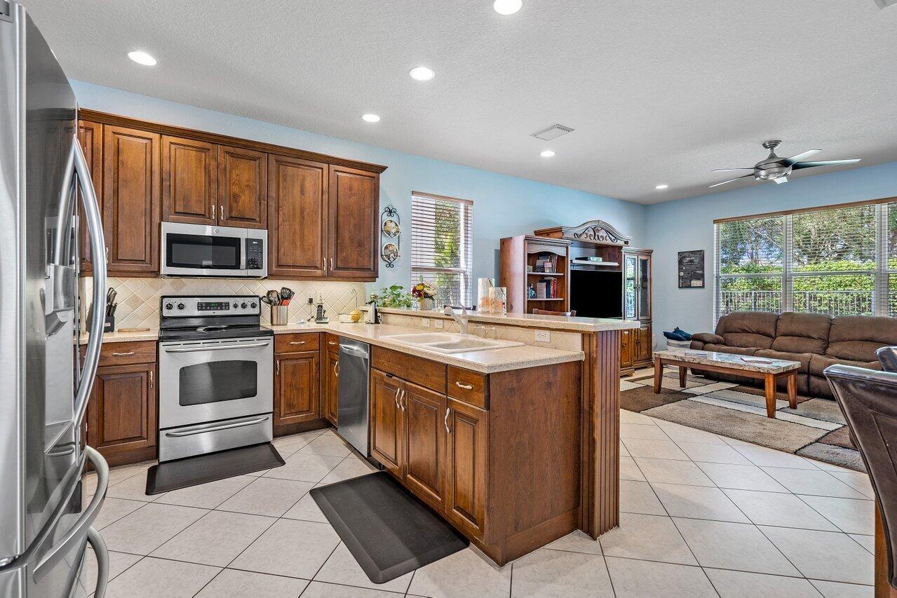 8931 Briarwood Meadow Lane Boynton Beach, FL 33473 photo 14