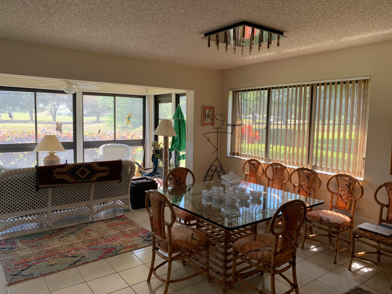 5589  Fairway Park Drive 104 For Sale 10708375, FL