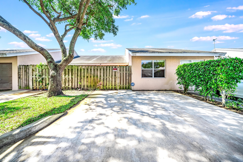 5158  Glencove Lane  For Sale 10708441, FL
