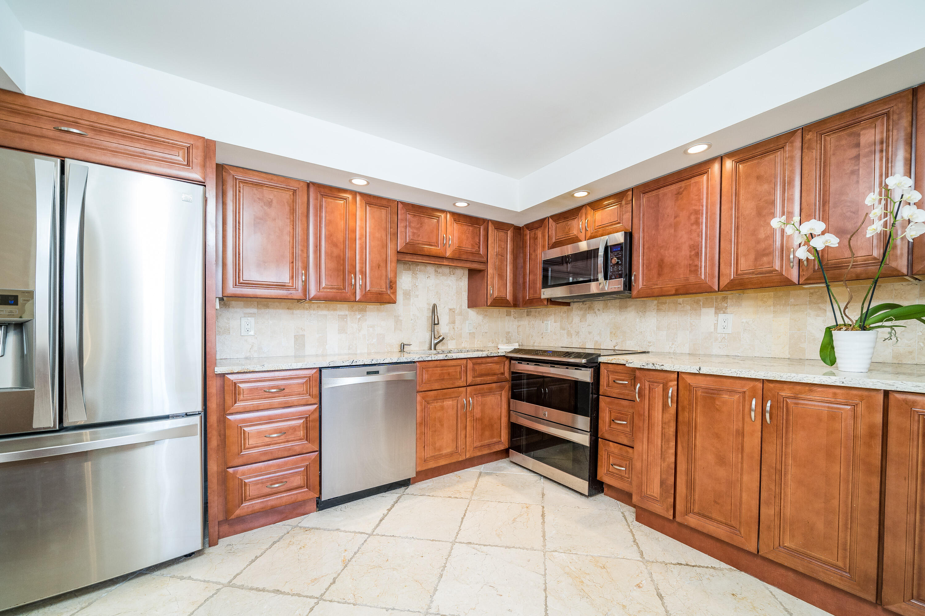 501 SW 11th Place 101 For Sale 10707202, FL