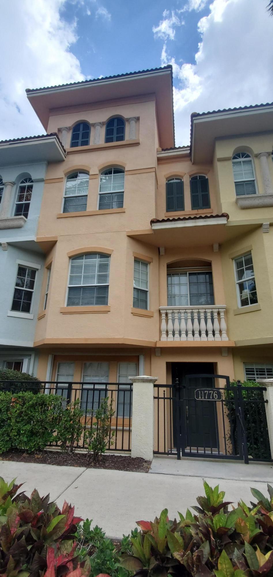 11776 Valencia Gardens Avenue Palm Beach Gardens, FL 33410