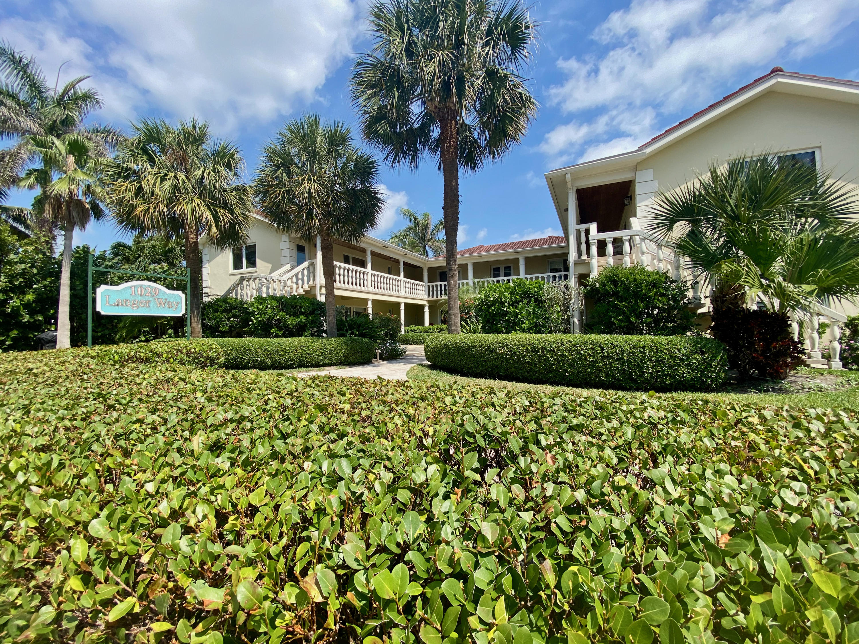 Home for sale in COMMODORE APARTMENTS CONDO Delray Beach Florida