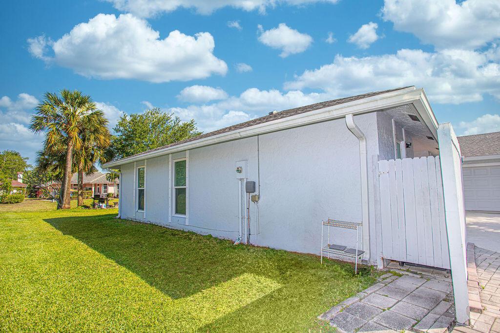 896 Lemongrass Lane Wellington, FL 33414 photo 5