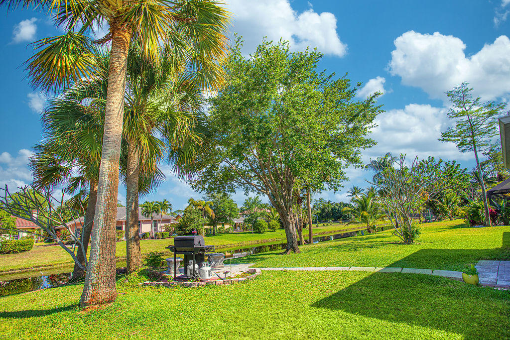 896 Lemongrass Lane Wellington, FL 33414 photo 6