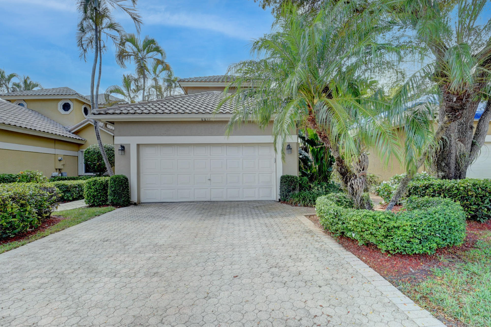 6671 NW 26th Way  For Sale 10708933, FL