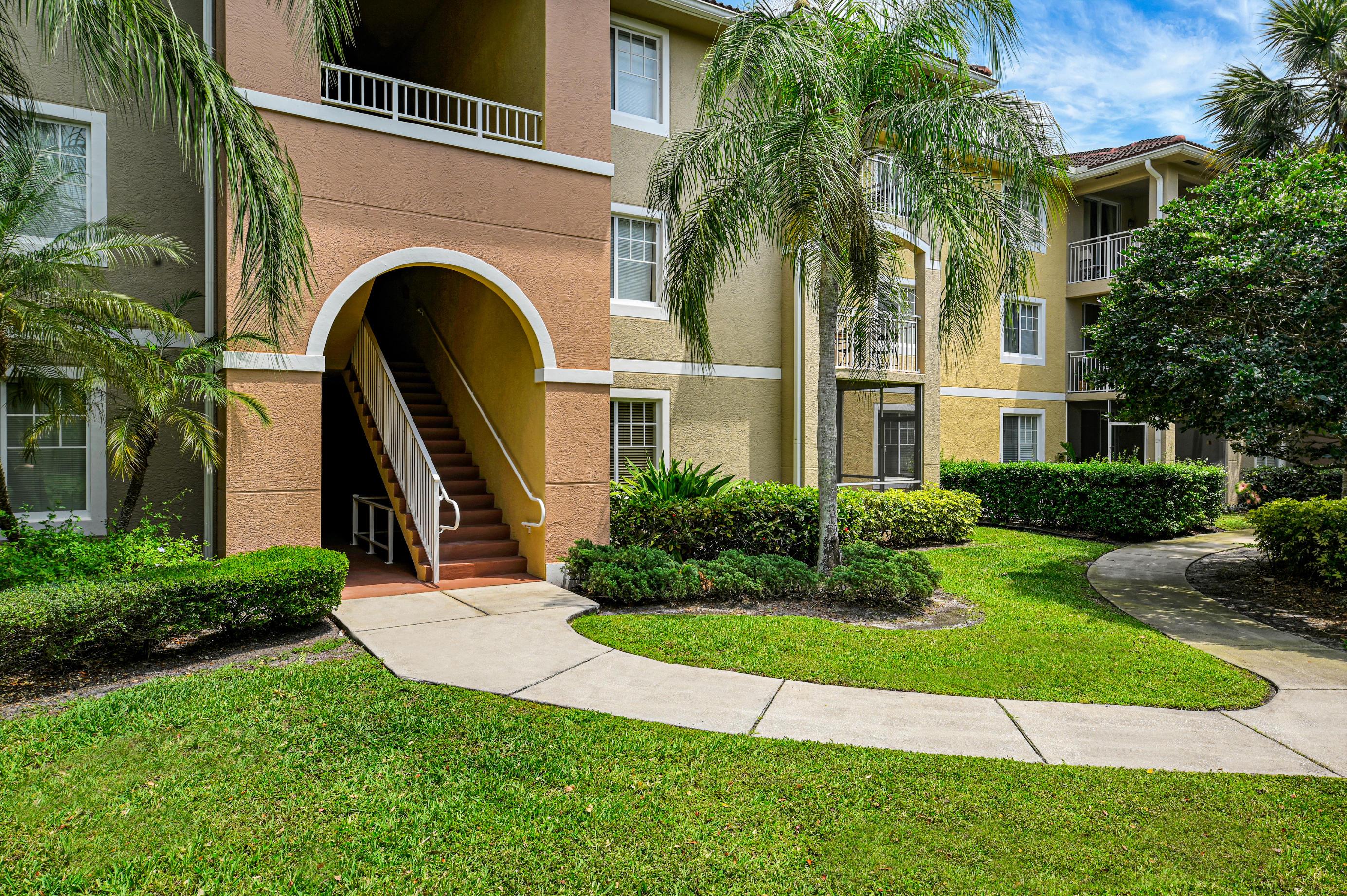 6511  Emerald Dunes Drive 106 For Sale 10709781, FL