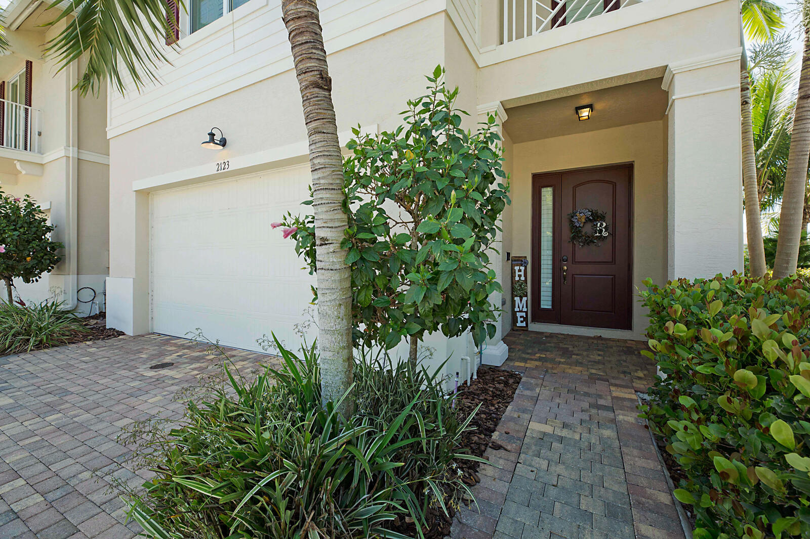 2123 Wells Place Palm Beach Gardens, FL 33418 photo 2