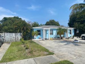 327 SE 3rd Avenue, Delray Beach, FL 33483