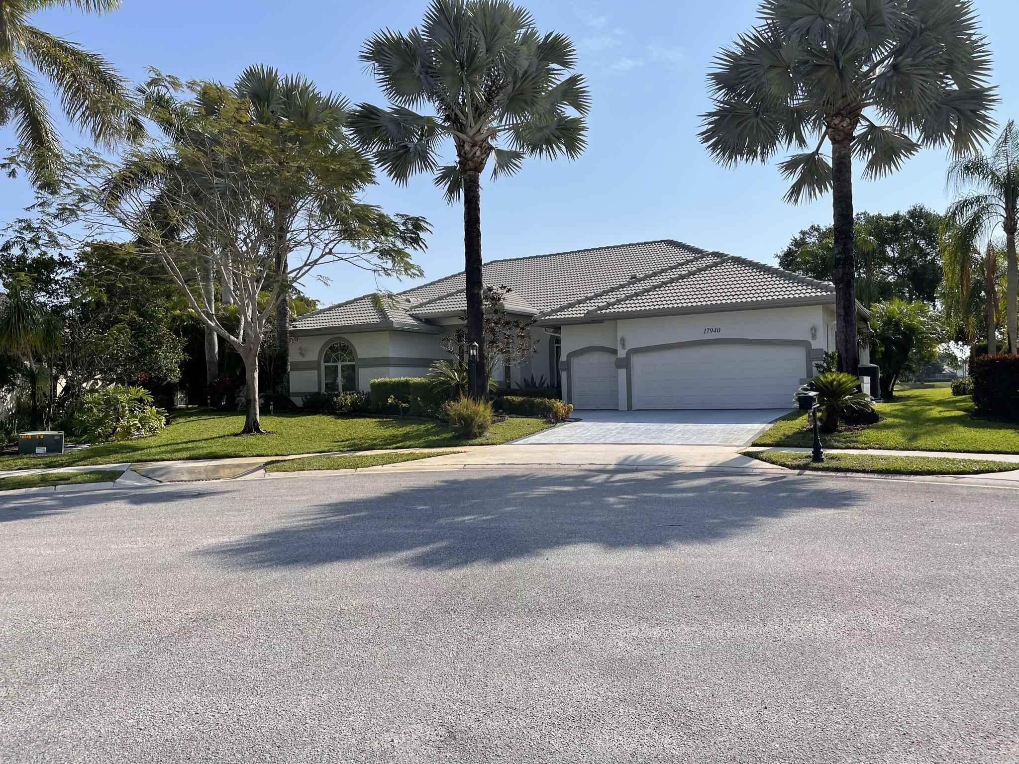 17940  Hampshire Lane  For Sale 10709637, FL