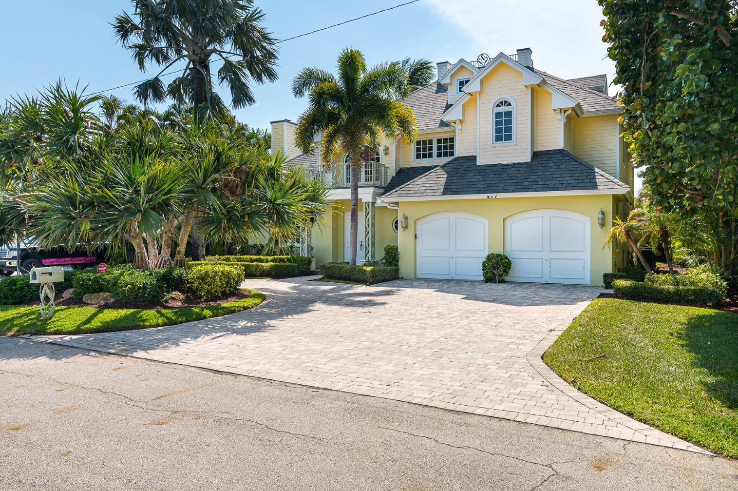 477 NE Spanish Court  Boca Raton FL 33432