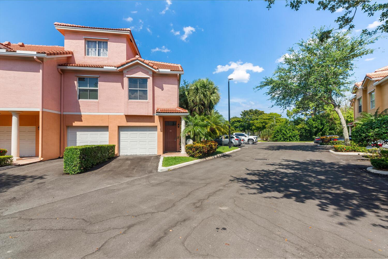 2018  Alta Meadows Lane 409 For Sale 10709386, FL