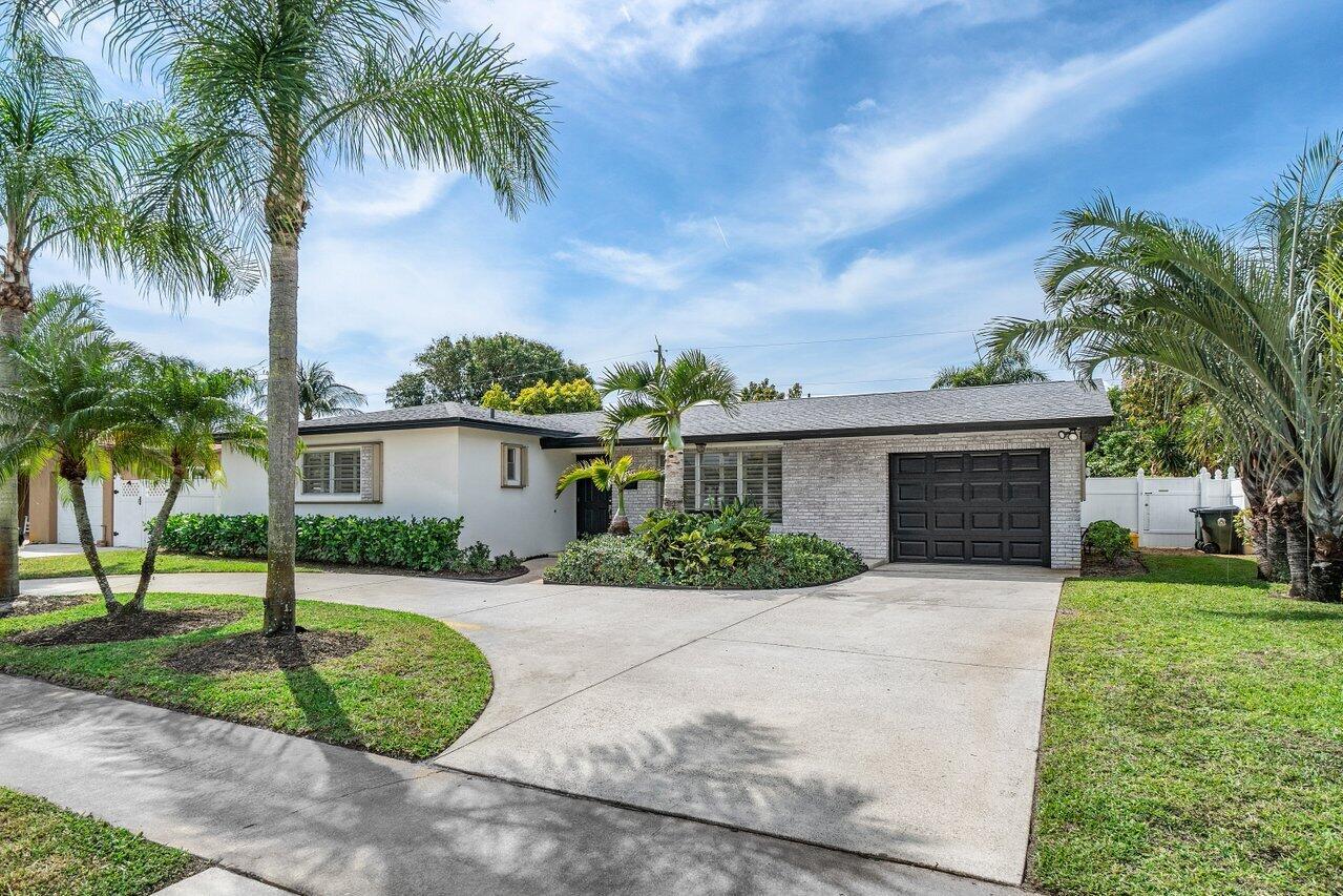 2636 Mores Road West Palm Beach, FL 33406