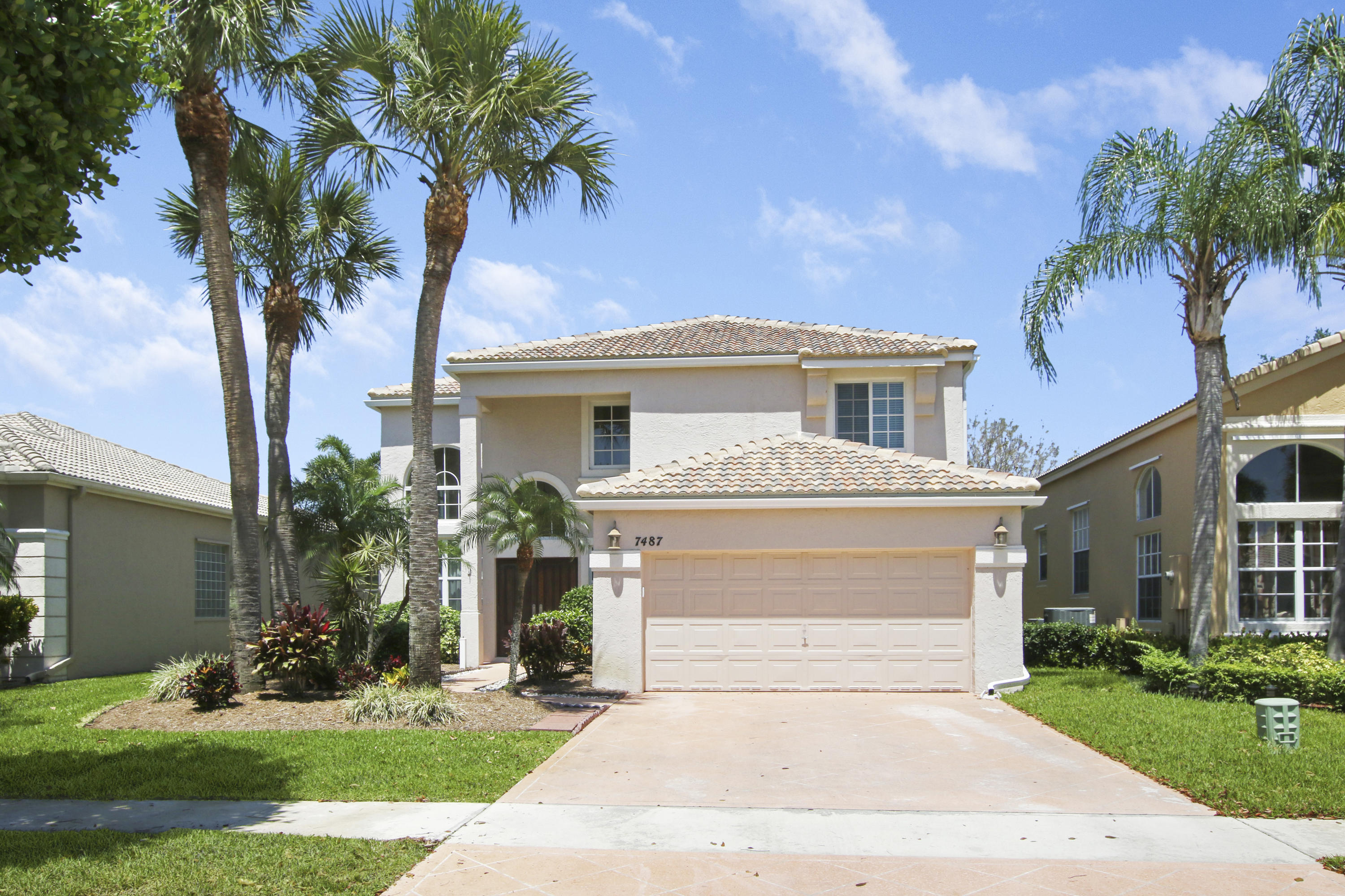 Home for sale in Candlewood Lake Worth Florida
