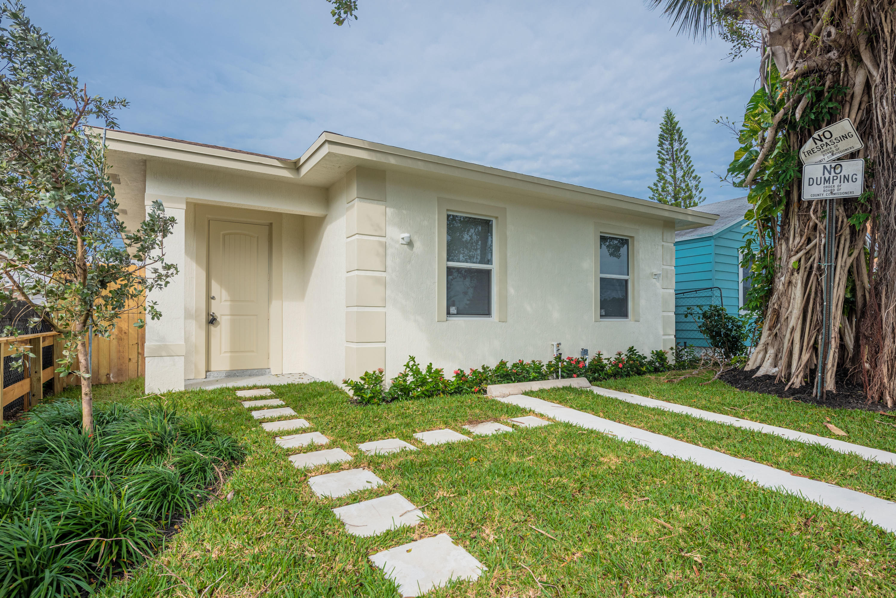 Home for sale in LATONA COURT AMNDED PLAT Lake Worth Beach Florida