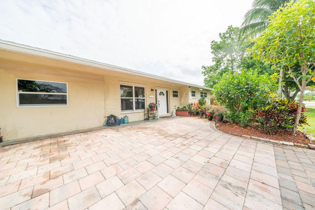 Home for sale in Kendall Green Pompano Beach Florida