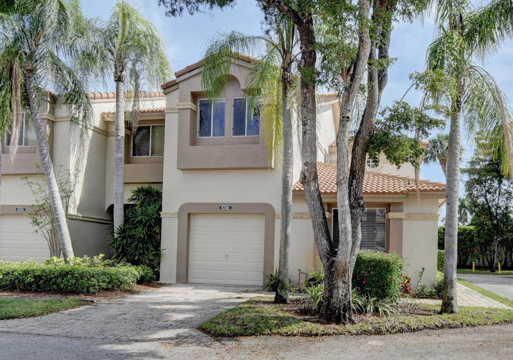 6746  Via Regina   For Sale 10709525, FL