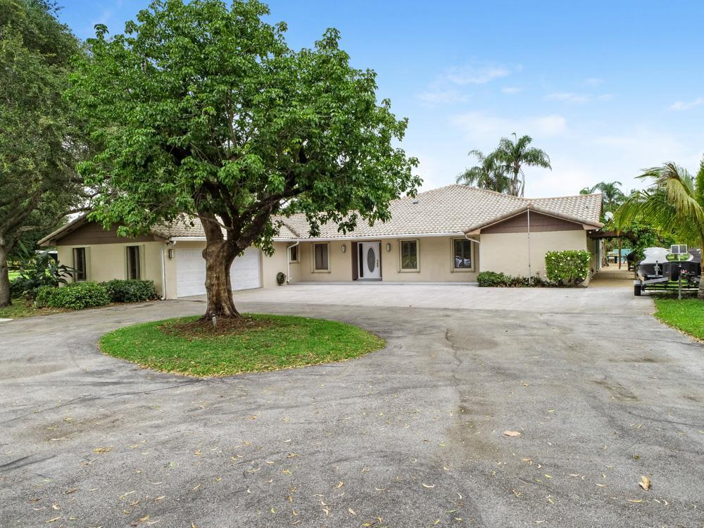 8688 Kelso Drive Palm Beach Gardens, FL 33418
