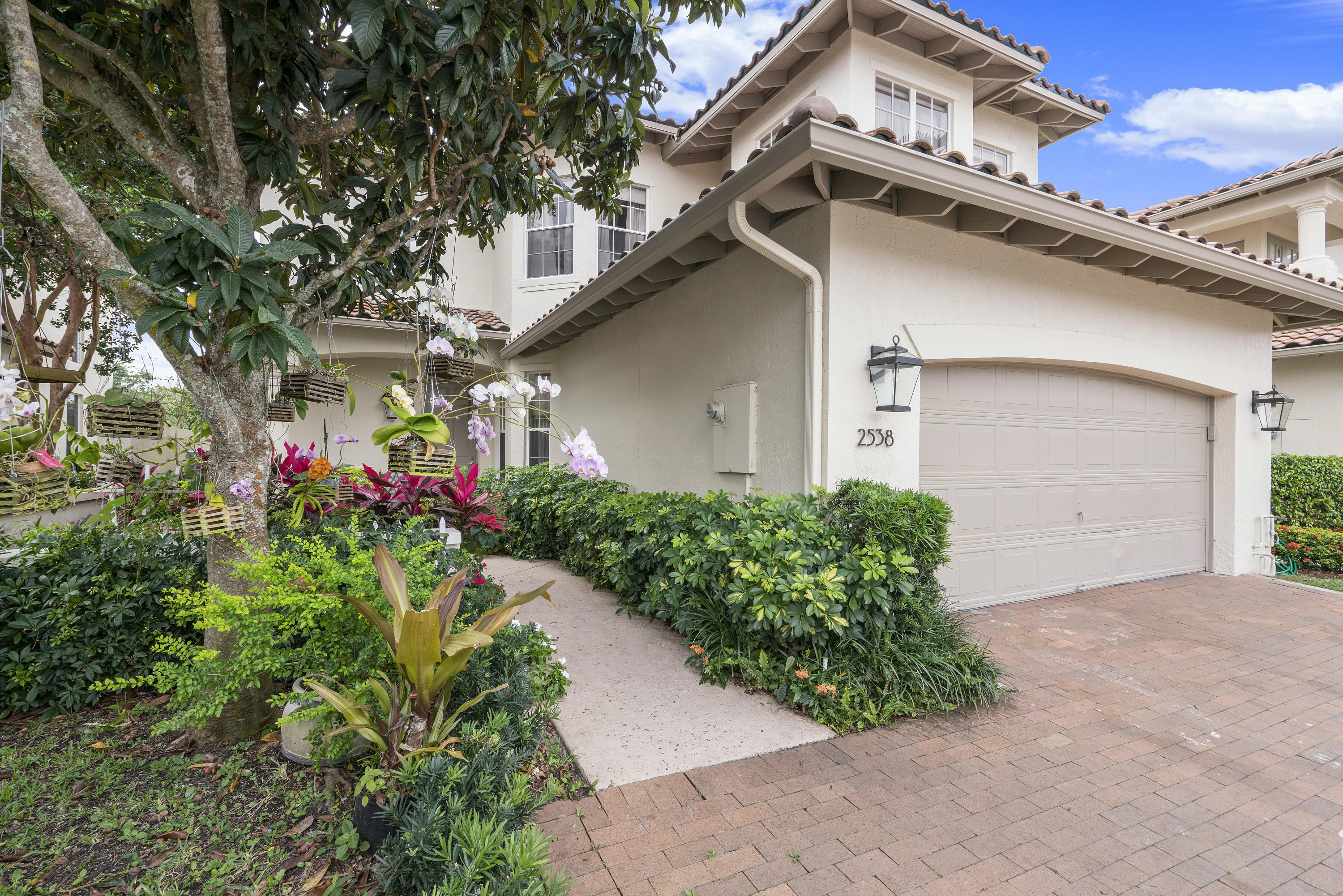 2538 NW 52nd Street  For Sale 10710125, FL