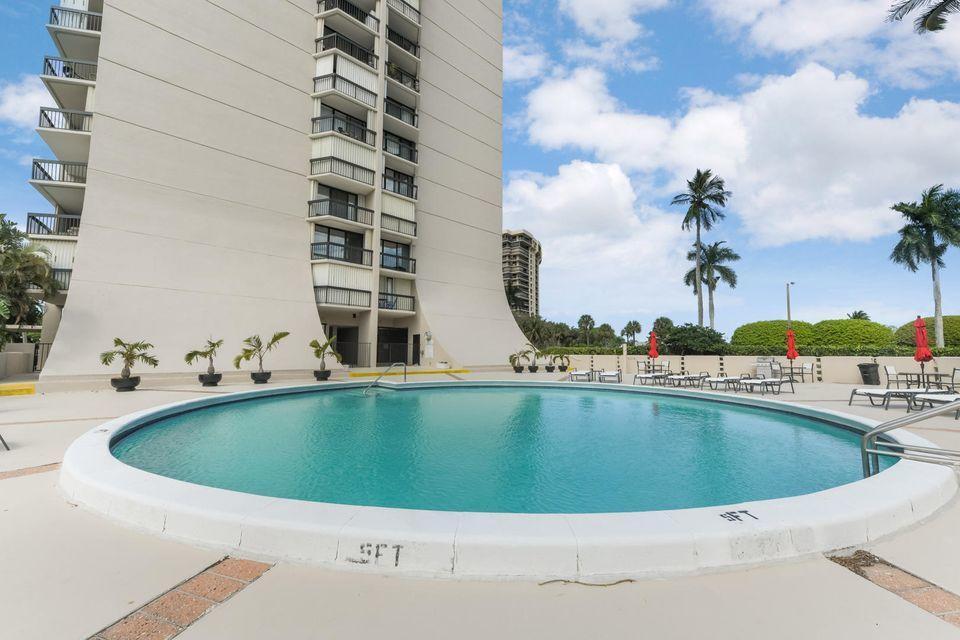 2425 Presidential Way 903 West Palm Beach, FL 33401 photo 19