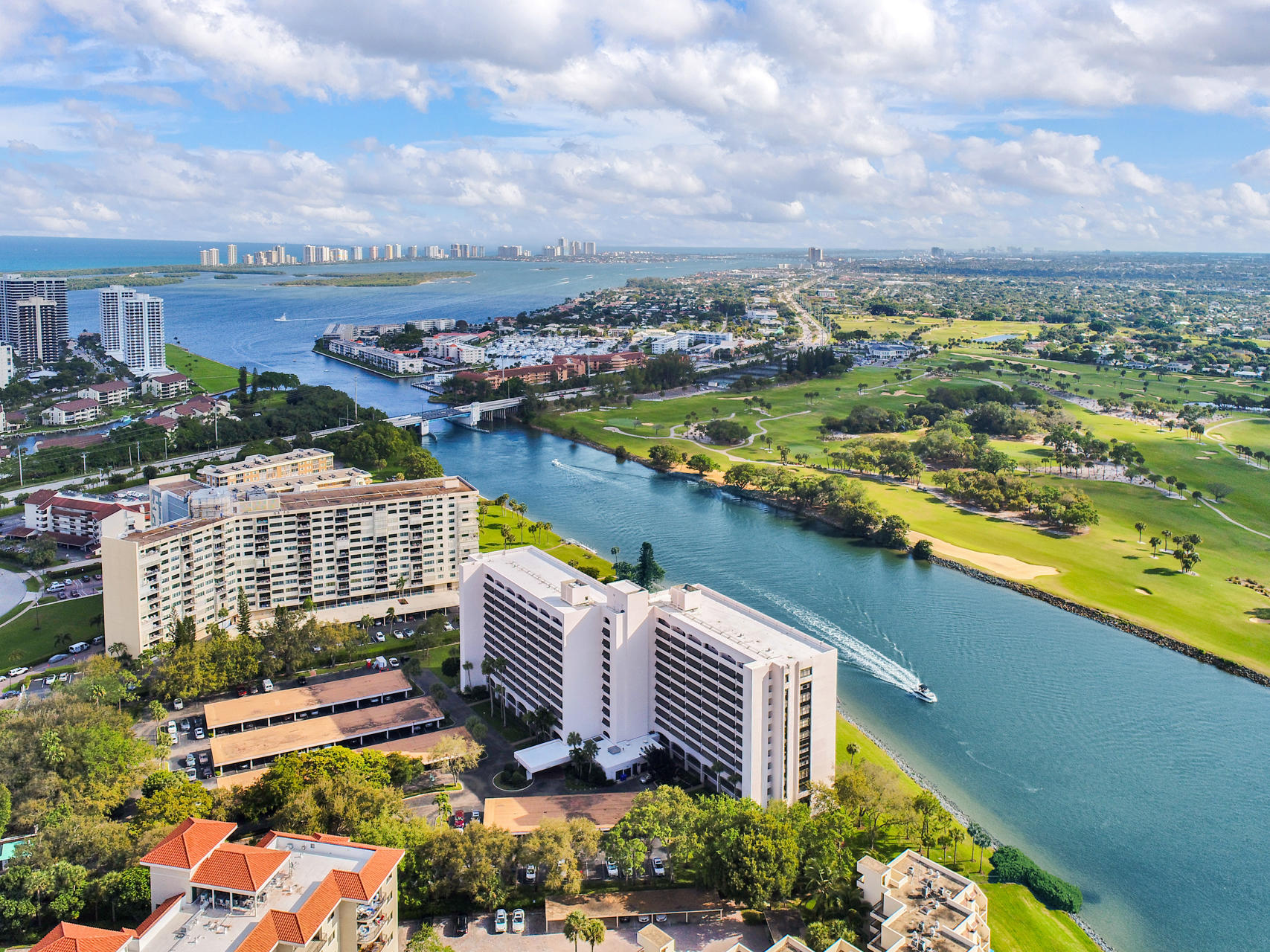 356  Golfview Road 1210 For Sale 10707755, FL