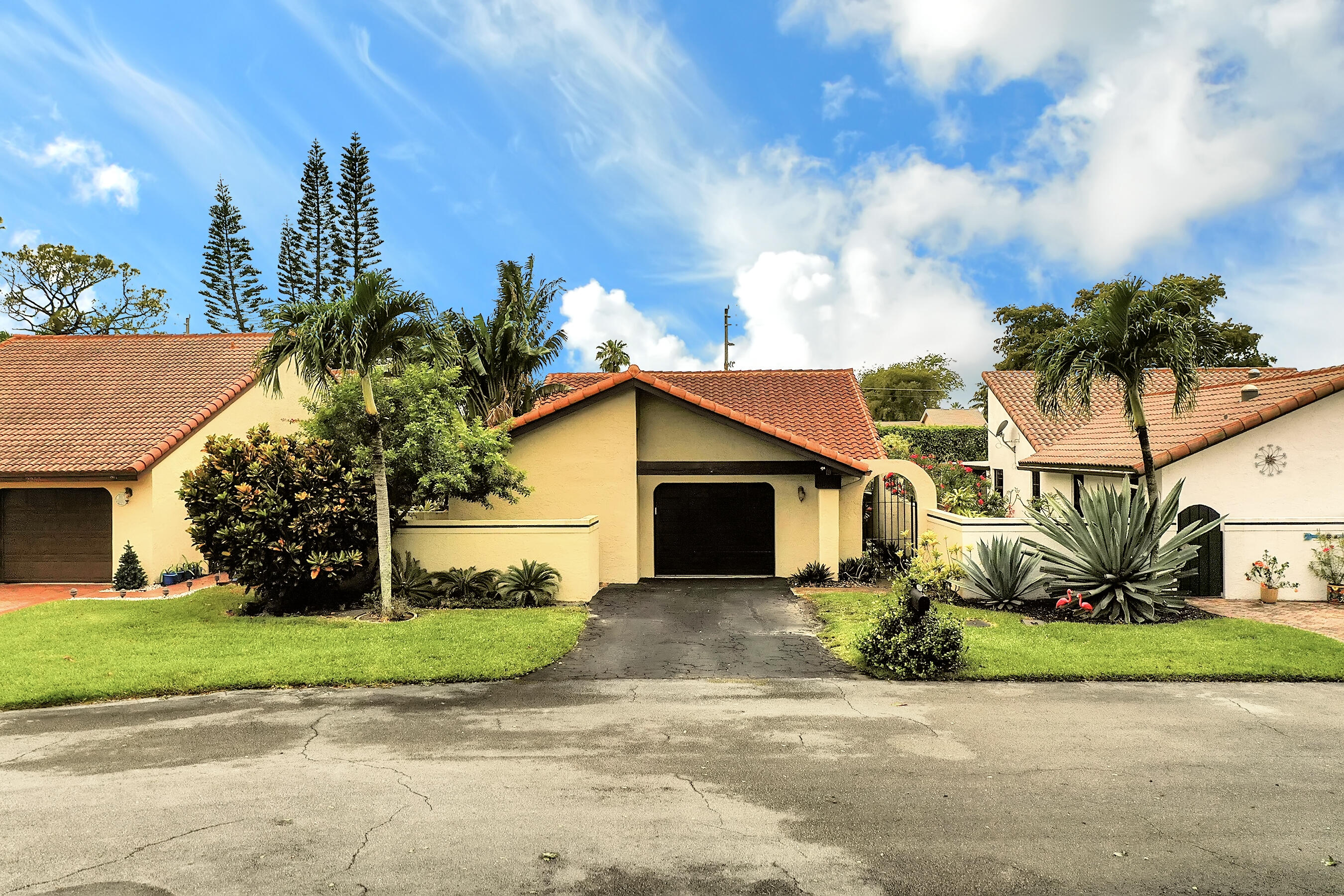 Home for sale in : Rainberry Lake Ph Iv-b Delray Beach Florida