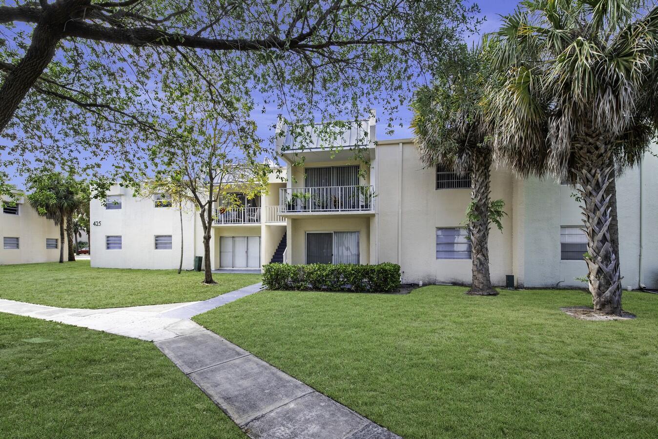 425 Executive Center Drive 211 West Palm Beach, FL 33401 photo 2