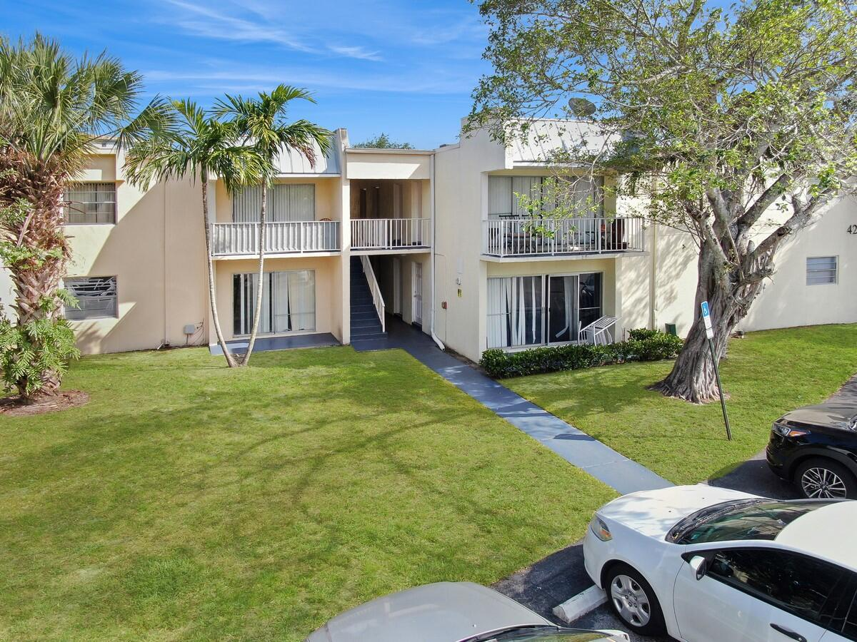 425 Executive Center Drive 211 West Palm Beach, FL 33401 photo 3