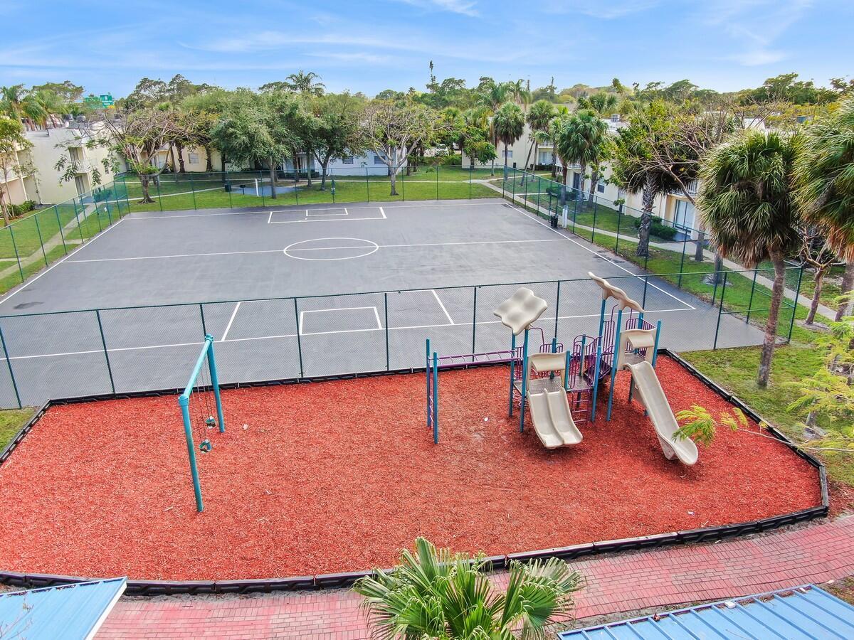 425 Executive Center Drive 211 West Palm Beach, FL 33401 photo 8