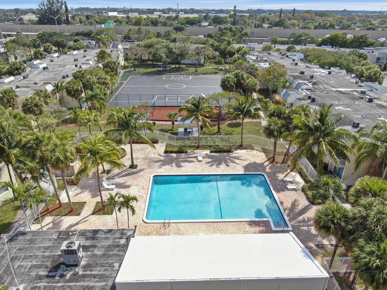 437 Executive Center Drive 202 West Palm Beach, FL 33401 photo 3