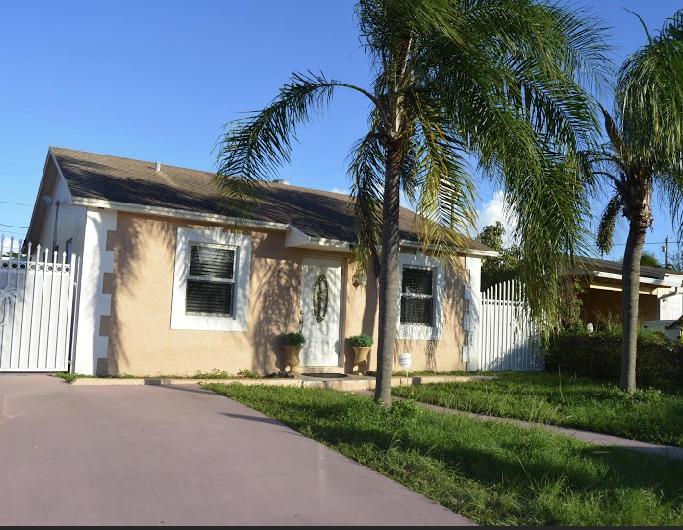 2206  Park Street  For Sale 10677463, FL