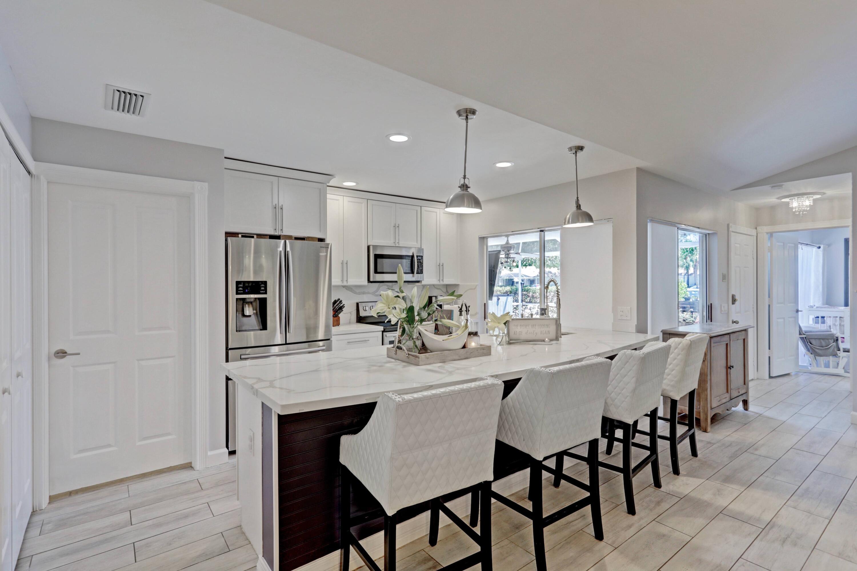 5902  Red Oak Court  For Sale 10710749, FL