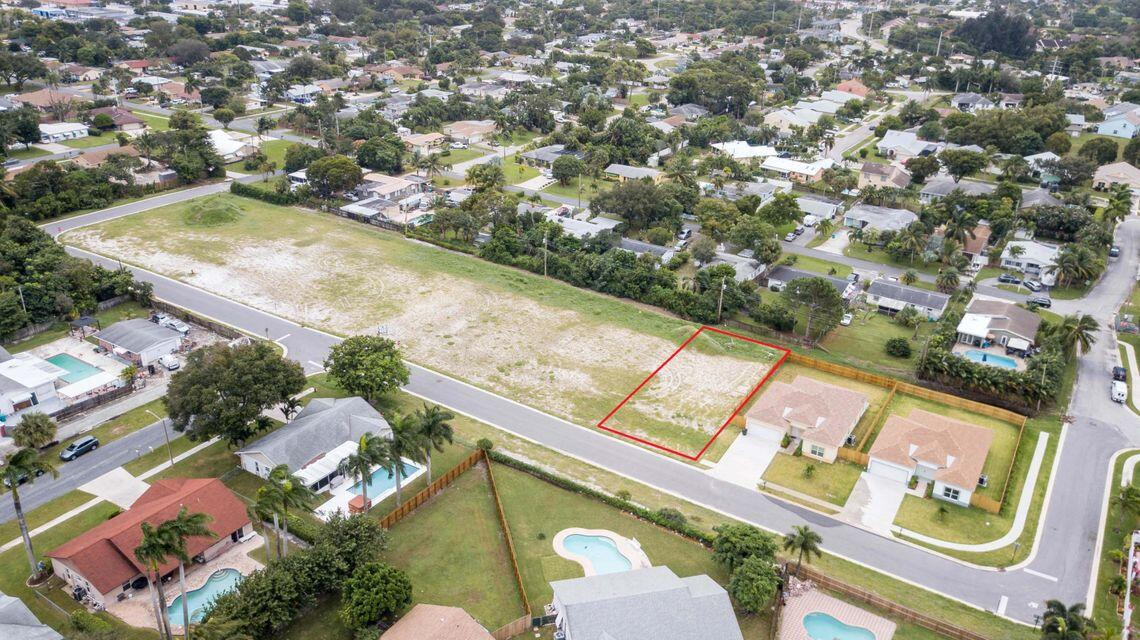 942 NW 9th Avenue  For Sale 10710731, FL